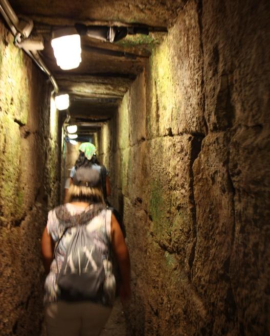 Раскопанная дорога под центральной улицей Иерусалима времен Иисуса