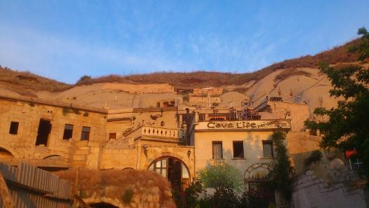 cappadocia_cave_live_eve