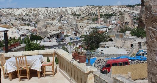 cappadocia_cave_live_terrace_day