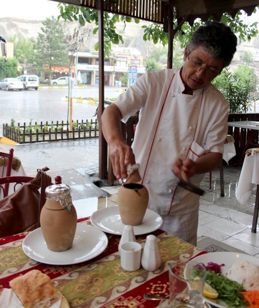 Тести кебабы - местное блюдо в Каппадокии