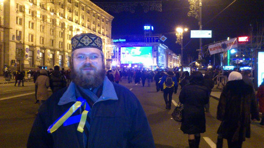 Прот. Андрей Дудченко на майдане 1 декабря