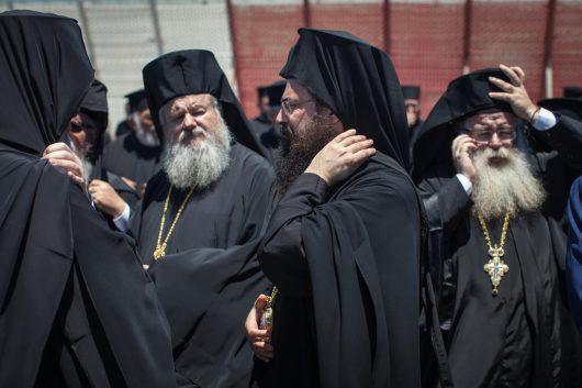 Во время встречи Патриарха Варфоломея в аэропорту на Крите.