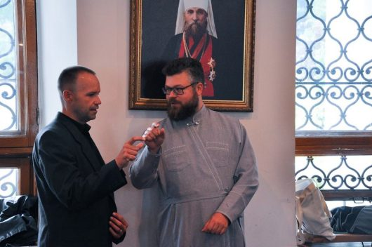 Диакон Николай Денисенко (слева) и протоиерей Андрей Дудченко.